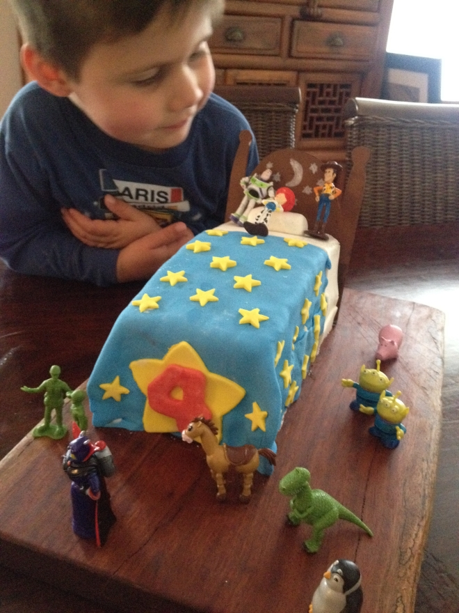 He didn't care how many friends turned up - as long as the cake was great